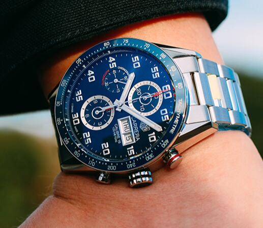 The blue dials have fancy blue dials and secure steel bracelets.