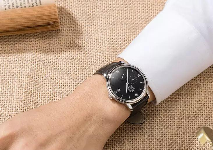 The classic Omega will enhance the confidence and reliability of the wearers.