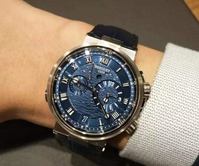 The brilliant Breguet is useful for global travelers and businessmen who usually need to travel abroad.