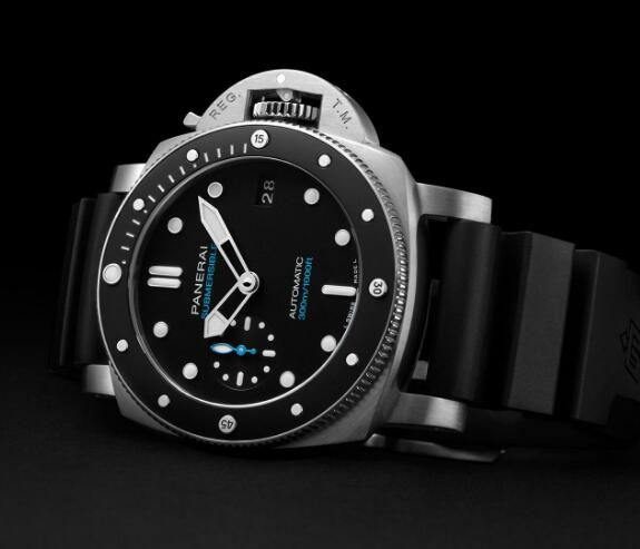 The blue elements on the whole black timepiece are very eye-catching.
