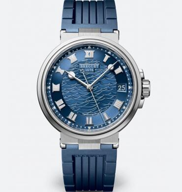 The blue tone makes the timepiece a good choice for diving.