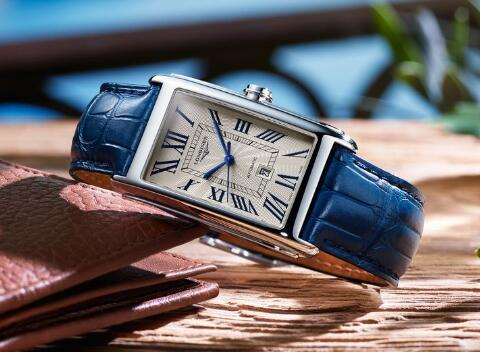 Longines provides many different straps for the wearers.