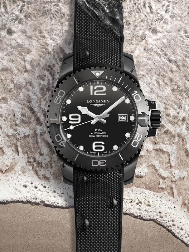 Swiss fake watches are totally in black.