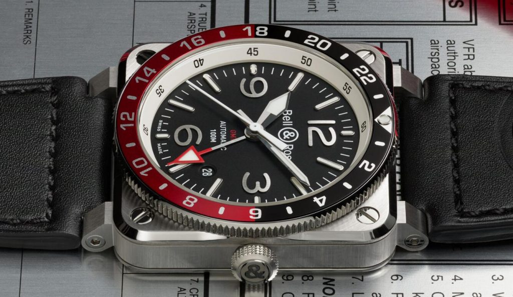 1:1 fake watches keep readable effect with Arabic numerals.