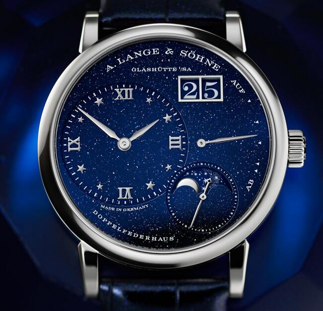 AAA fake watches are showy for the blue color.