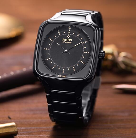 AAA replica watches are favored by males with the dark color.